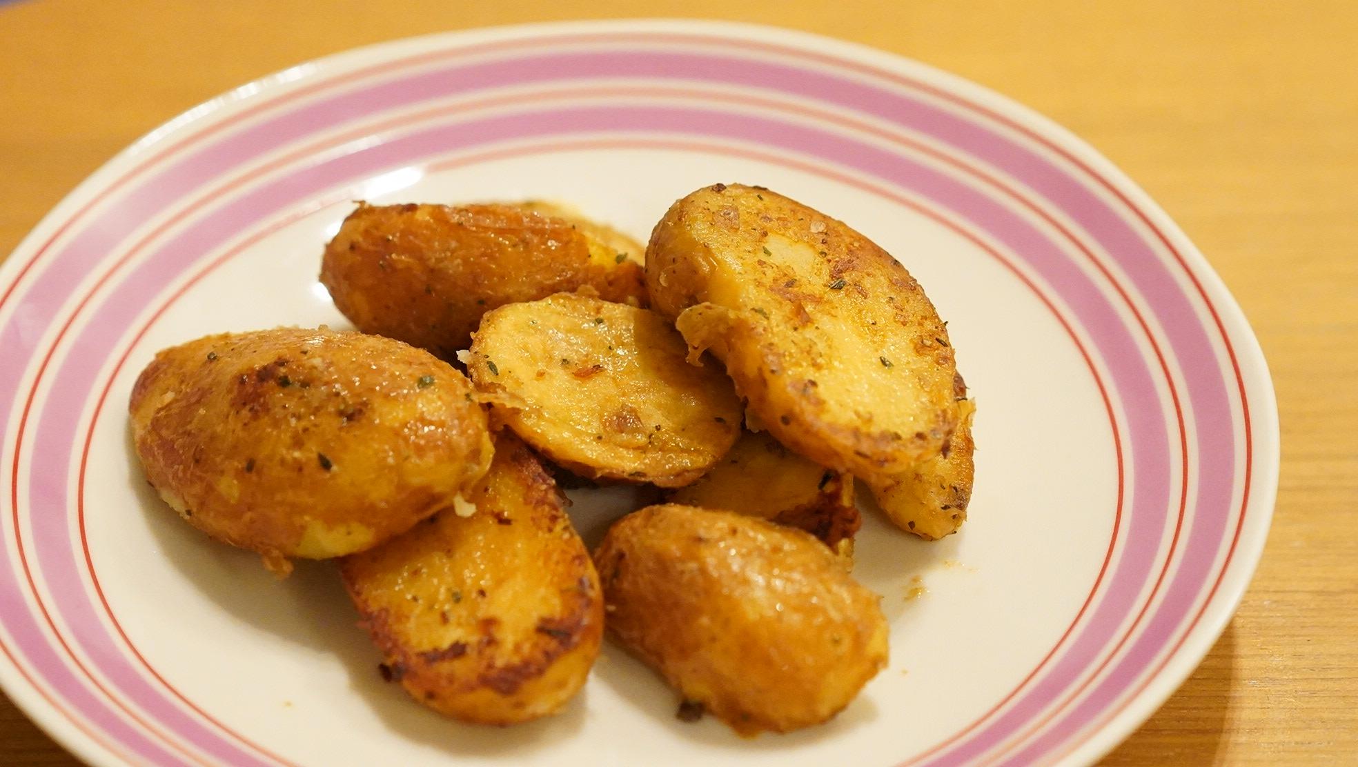 コストコのおすすめ冷凍食品「ベビーポテト(Demi Grenaille)」のポテトの写真