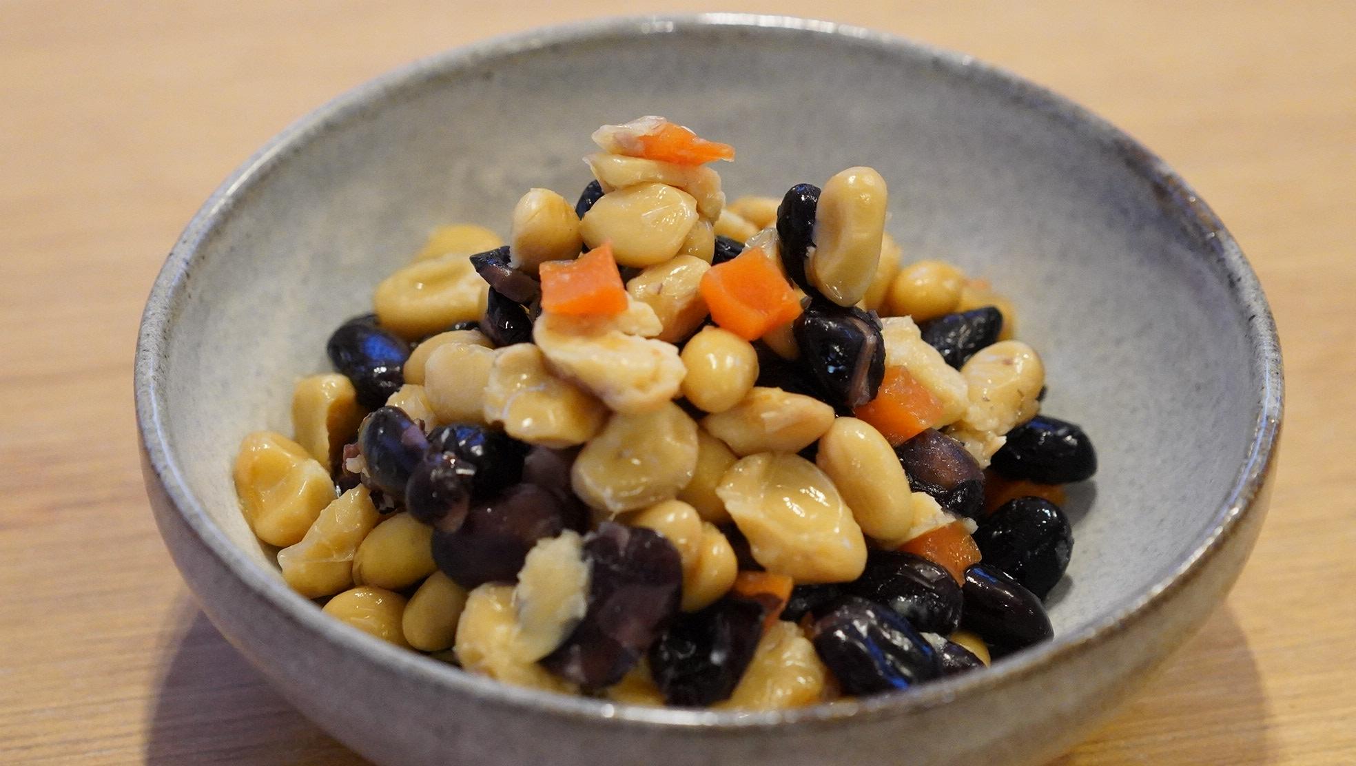 無印良品のおすすめ冷凍食品「丹波黒豆と大豆の煮物」の写真