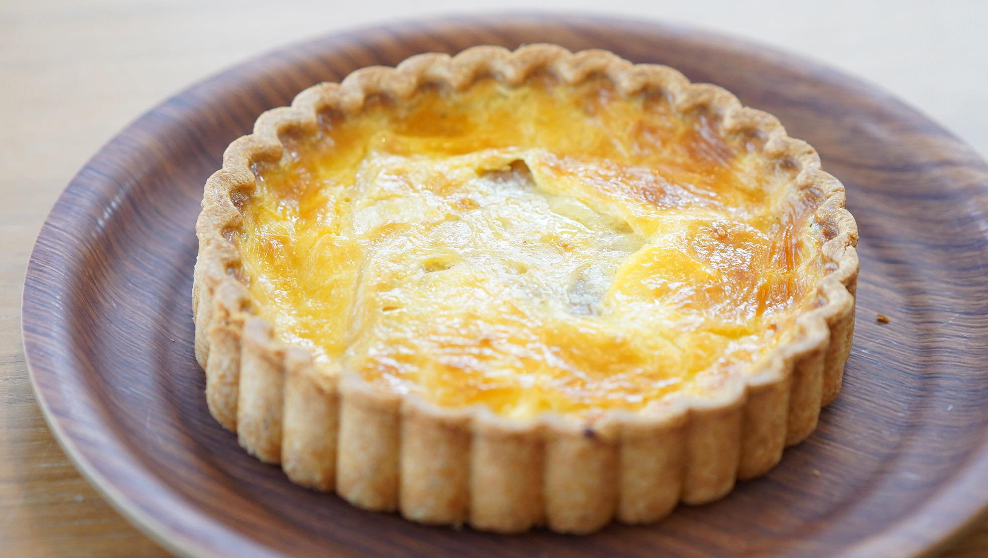 無印良品のおすすめ冷凍食品「ベーコンとチーズのキッシュ」の写真