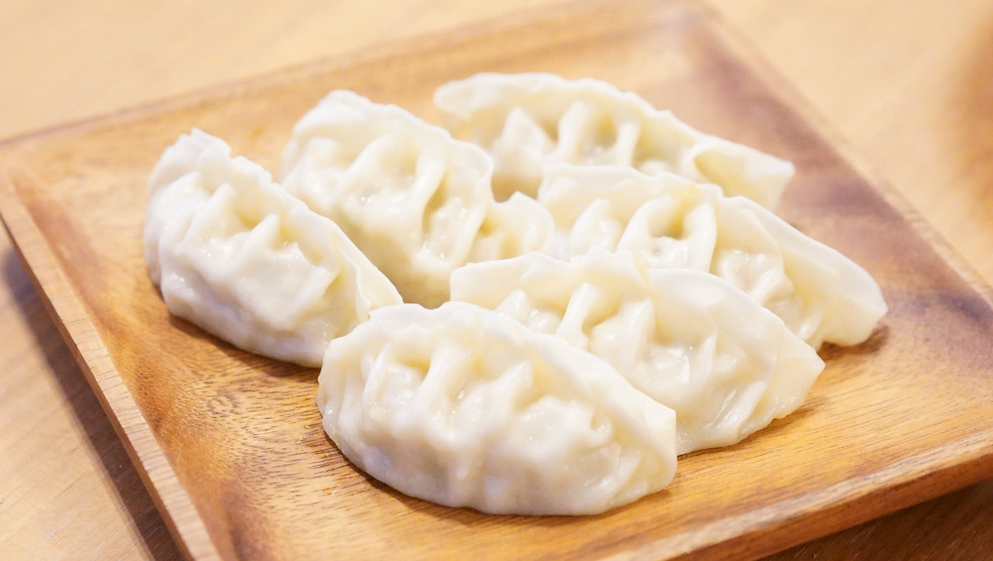 無印良品のおすすめ冷凍食品「国産豚肉と野菜の餃子」の写真