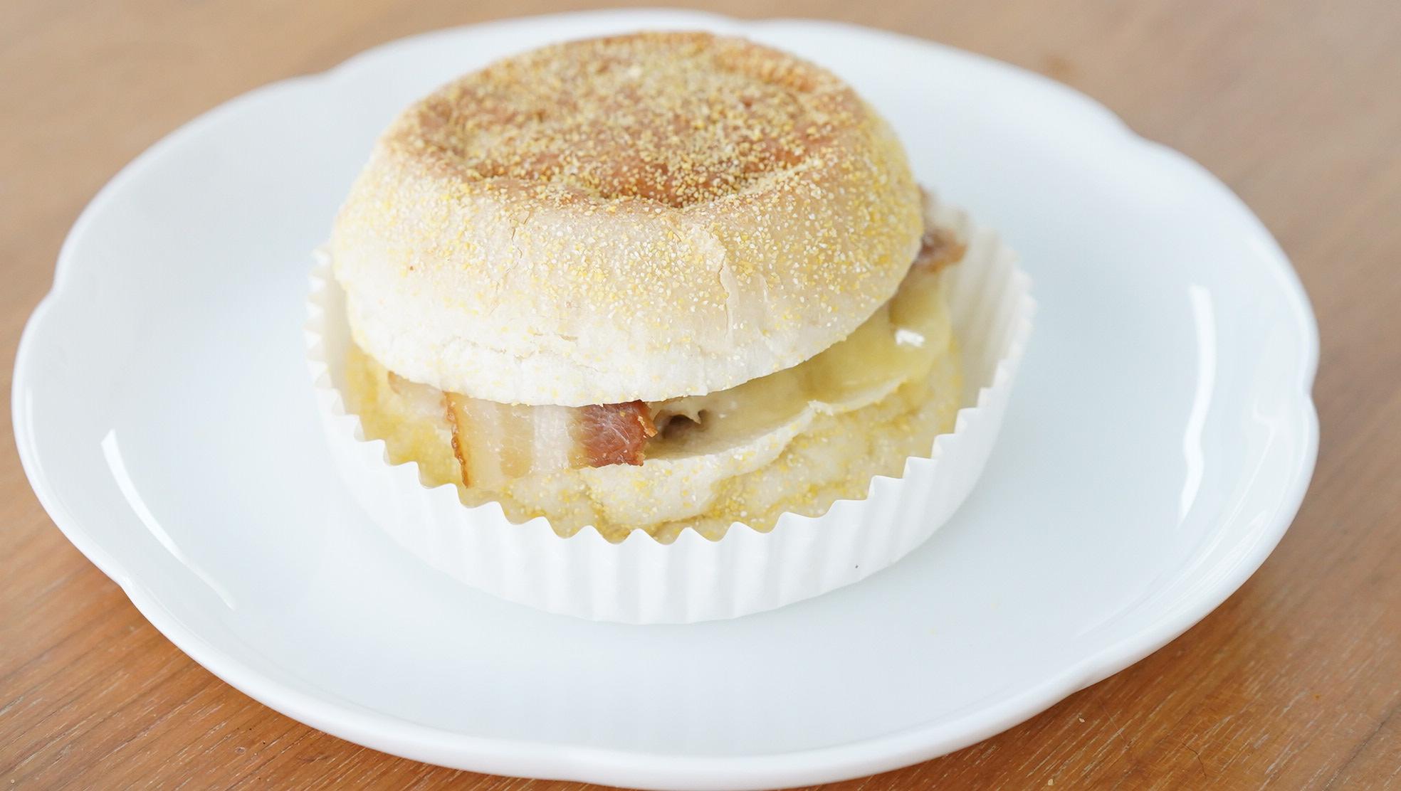 無印良品のおすすめ冷凍食品「ホットサンド・ベーコン&チーズ」の写真