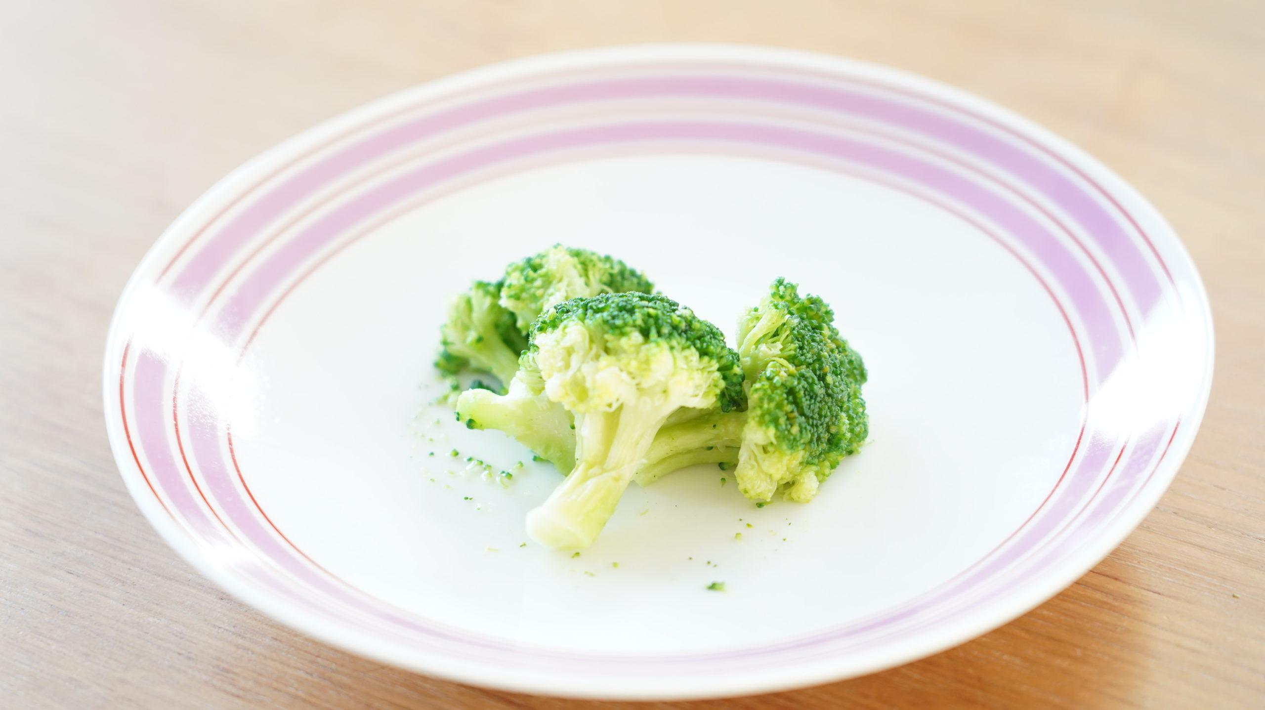 コストコの冷凍食品「ブロッコリー 100%ナチュラル」の調理後の写真