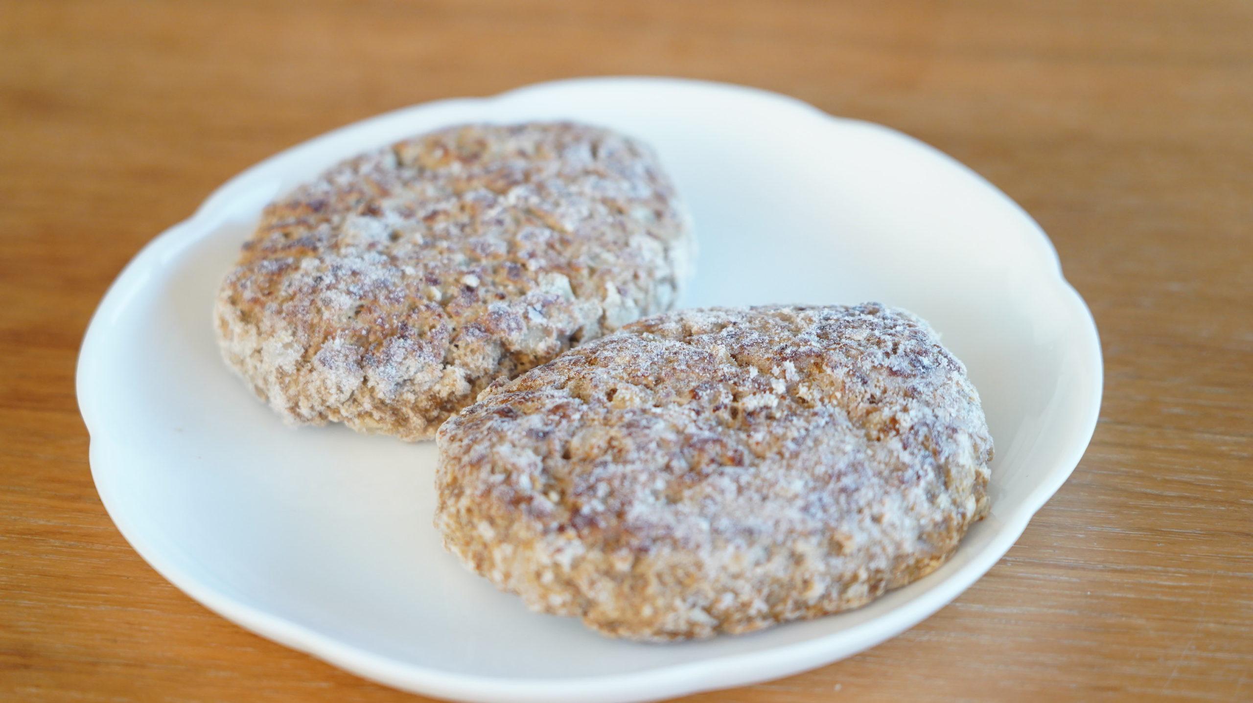 コストコの冷凍食品「香ばしグリエ・ハンバーグ」の冷凍状態の写真