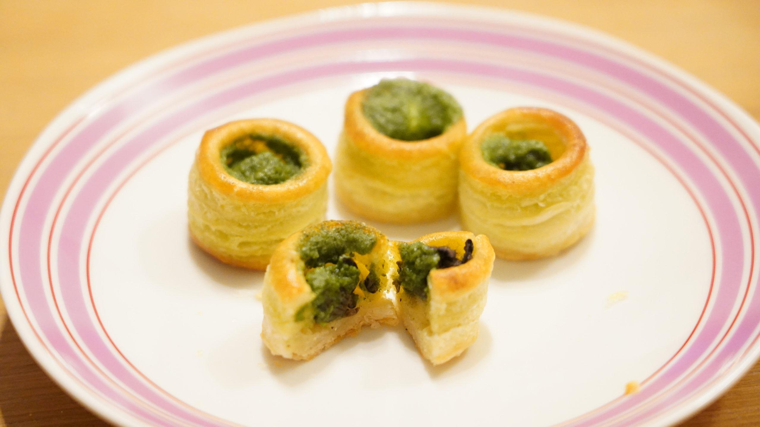 ピカールの冷凍食品「エスカルゴのミニパイ」の断面の写真