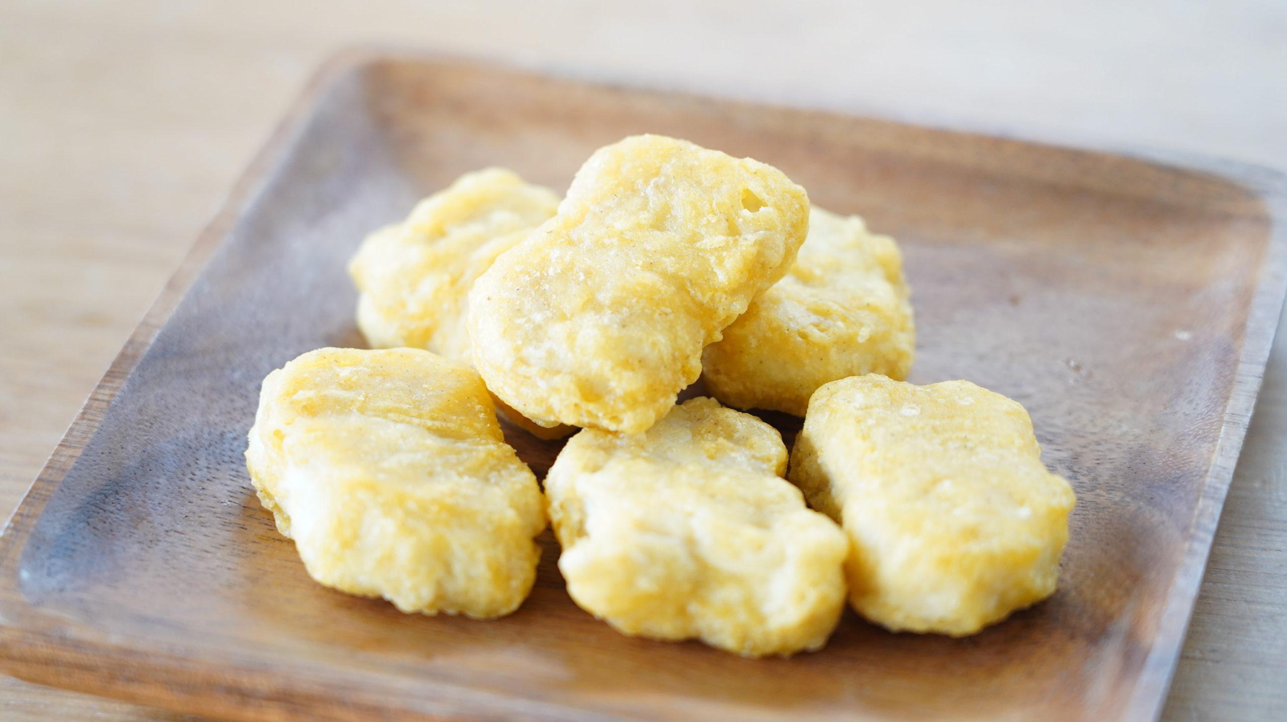 コストコの冷凍食品「CP チキンナゲット」がマックのチキンナゲットと似ていることが分かる写真