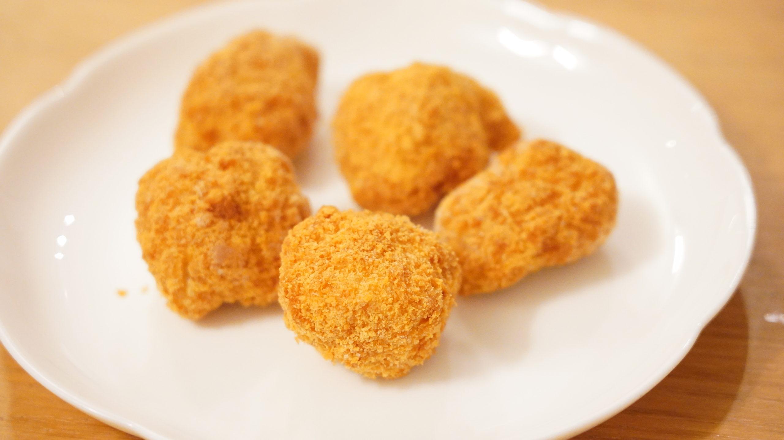 コストコの冷凍食品「味の素・三元豚のとんかつ」のクローズアップ写真