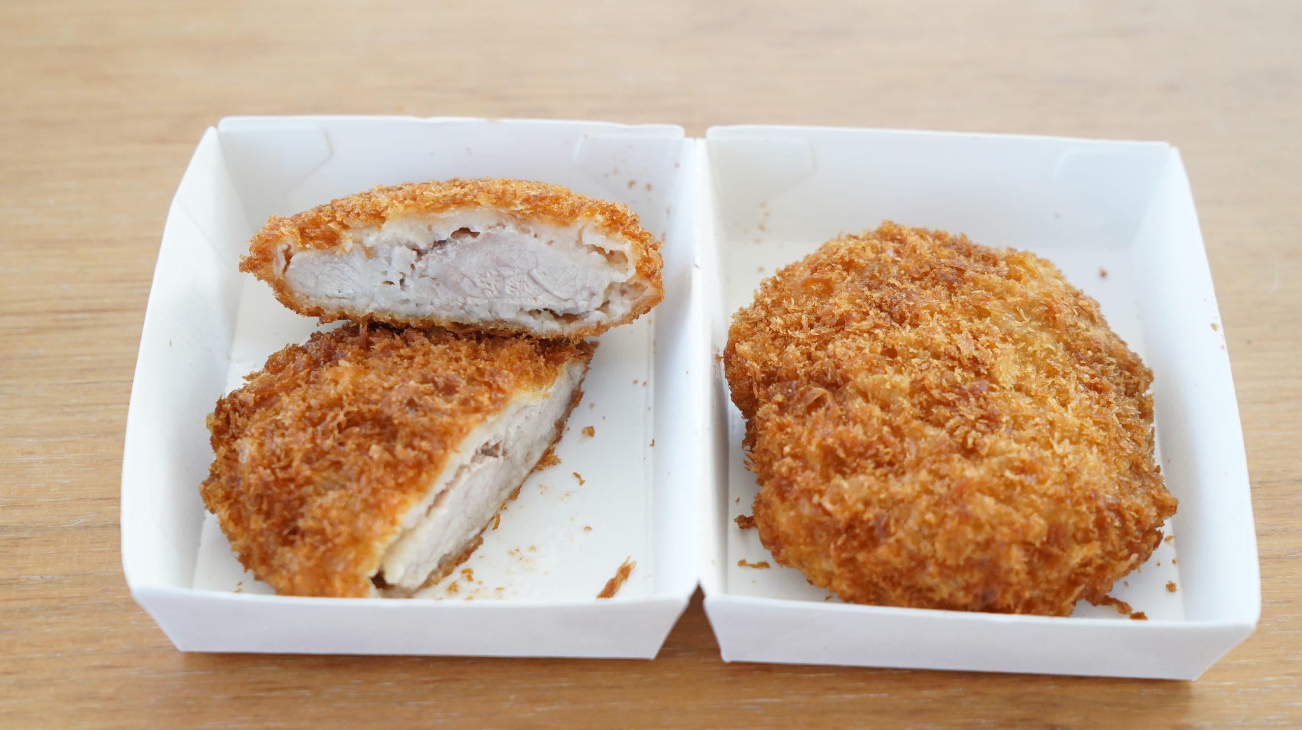 ローソンの冷凍食品「とんかつ・2枚入り」の全体の写真