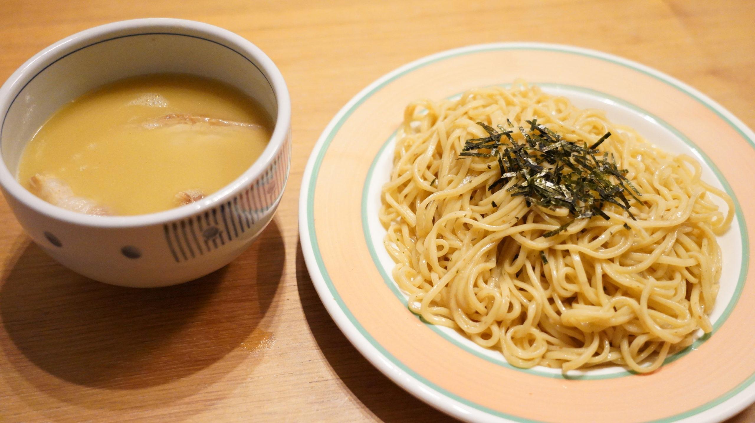「ラーメンにっこう」のお取り寄せオンライン通販「柚子白湯つけ麺」の麺とスープの写真