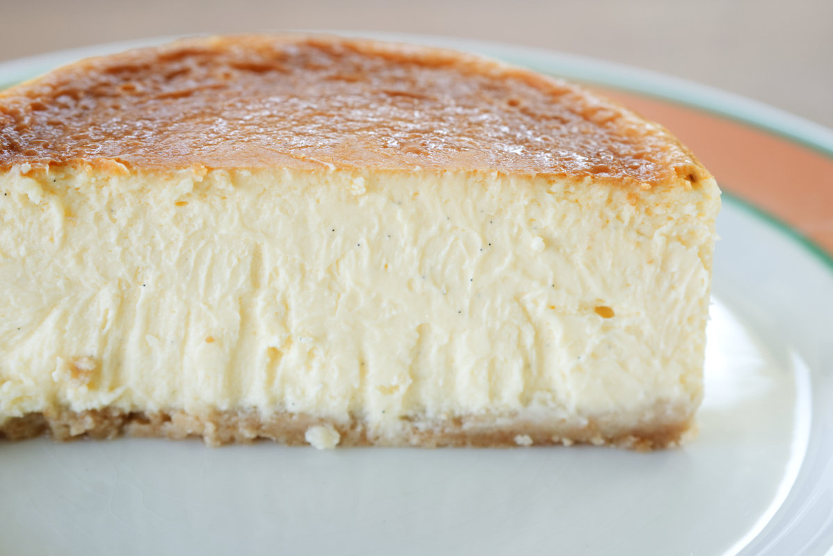 通販で買える美味しいホール・チーズケーキ「東京・代々木上原ミシュラン一つ星フレンチsio鳥羽周作シェフ」の絶品チーズケーキの拡大写真